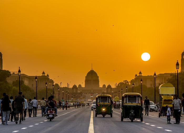 solnedgång över delhi